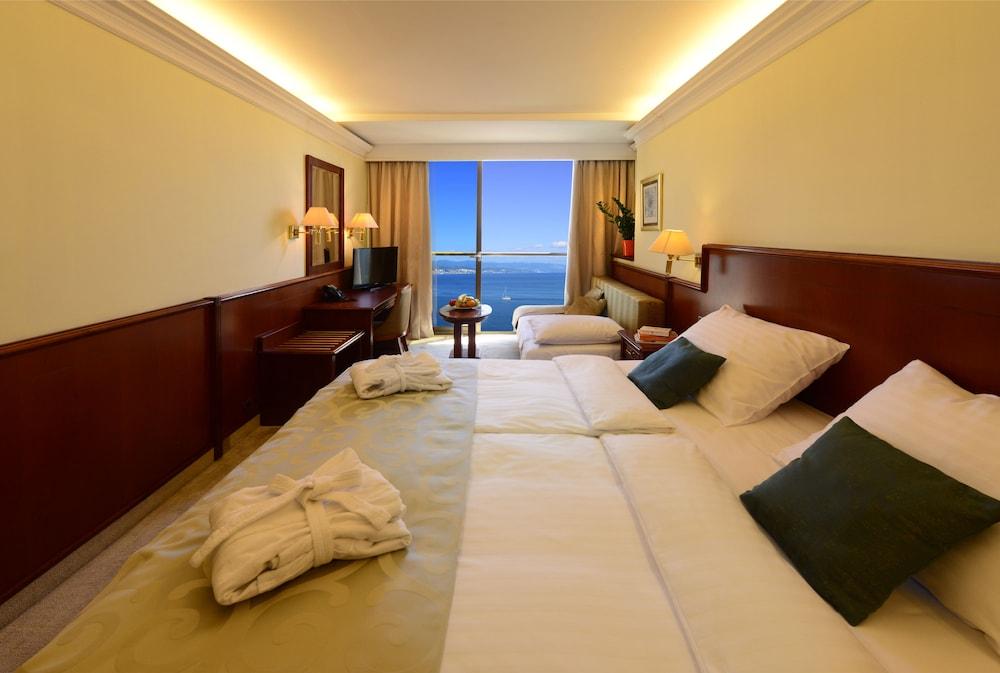 그랜드 호텔 아드리아틱 I(Grand Hotel Adriatic I) Hotel Image 6 - Guestroom