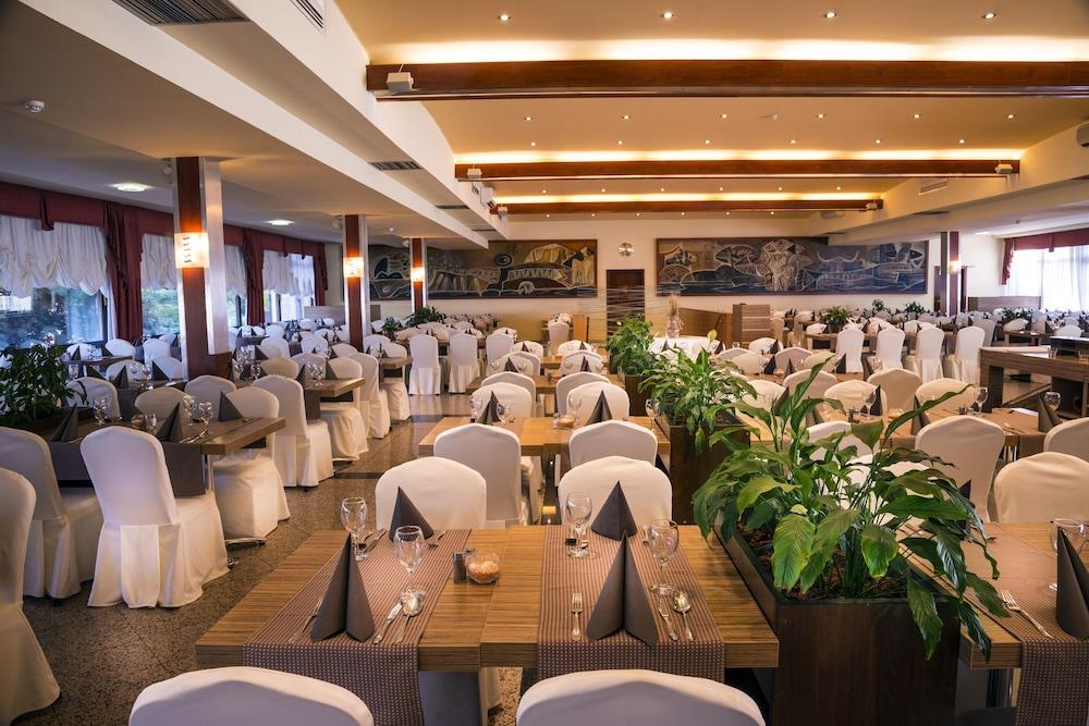 그랜드 호텔 아드리아틱 I(Grand Hotel Adriatic I) Hotel Image 30 - Breakfast Area