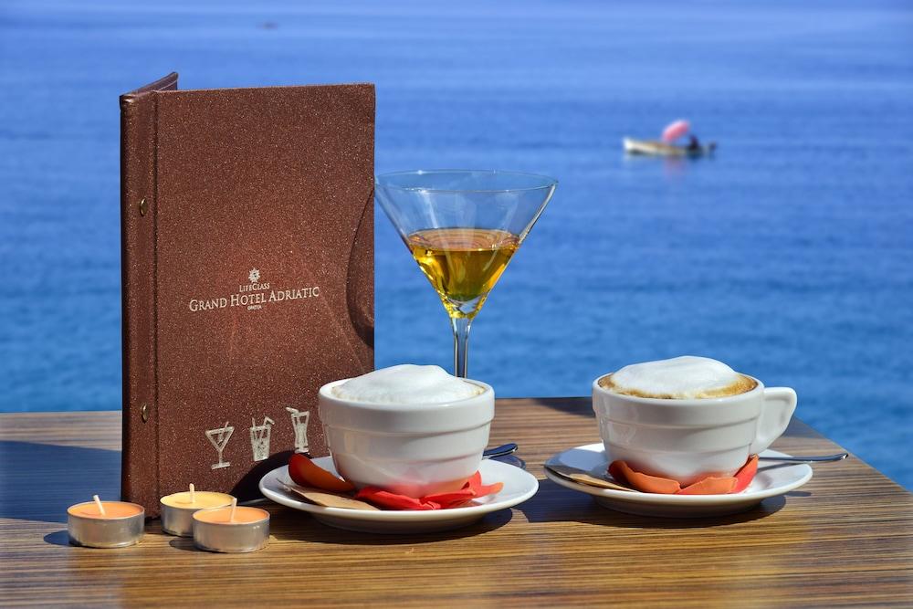 그랜드 호텔 아드리아틱 I(Grand Hotel Adriatic I) Hotel Image 60 - Outdoor Dining
