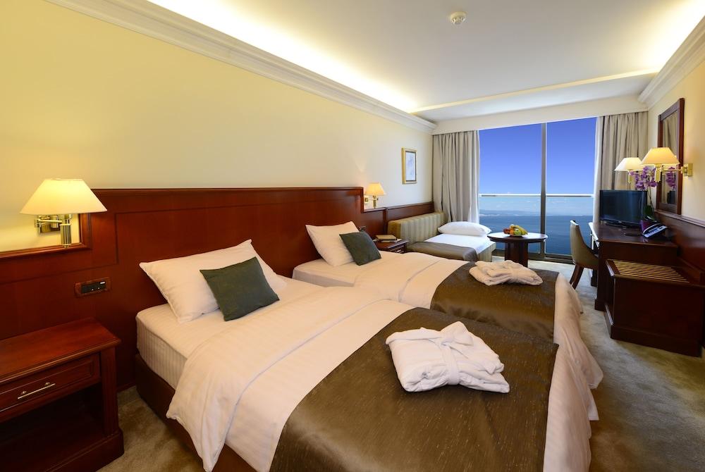 그랜드 호텔 아드리아틱 I(Grand Hotel Adriatic I) Hotel Image 8 - Guestroom