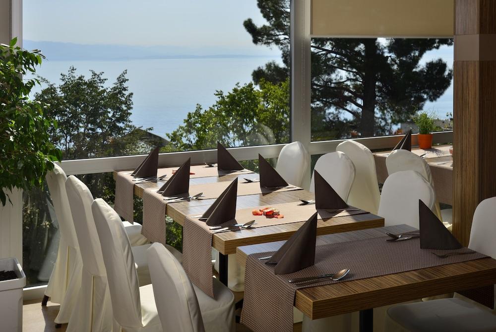그랜드 호텔 아드리아틱 I(Grand Hotel Adriatic I) Hotel Image 29 - Breakfast Area