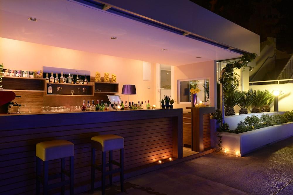 그랜드 호텔 아드리아틱 I(Grand Hotel Adriatic I) Hotel Image 36 - Hotel Bar