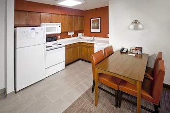 Corona Vacations - Residence Inn by Marriott Corona Riverside - Property Image 1