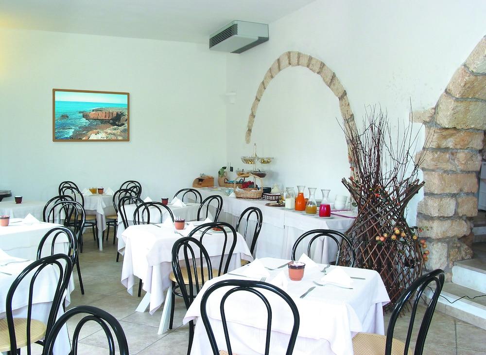 마세리아 리프리제리오(Masseria Refrigerio) Hotel Image 24 - Cafe