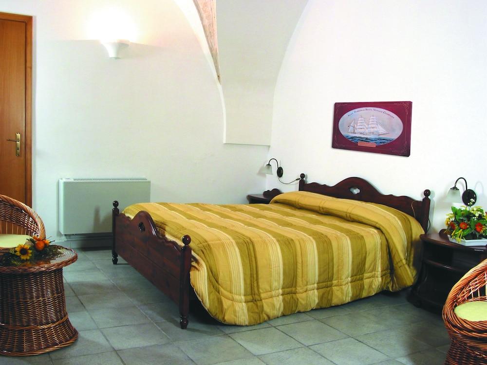 마세리아 리프리제리오(Masseria Refrigerio) Hotel Image 10 - Guestroom