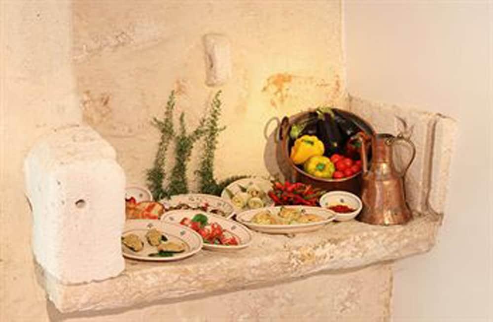 마세리아 리프리제리오(Masseria Refrigerio) Hotel Image 30 - Fireplace