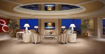 Encore Tower Suite Salon