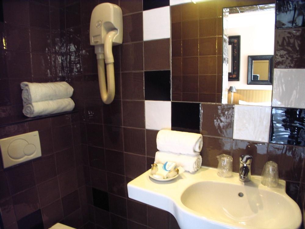 호텔 몬테 카를로(Hôtel Monte Carlo) Hotel Image 44 - Bathroom