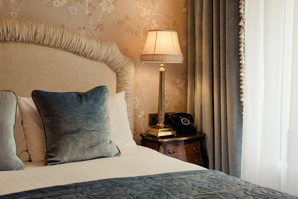 https://i.travelapi.com/hotels/2000000/1190000/1186600/1186567/a32c067b_z.jpg