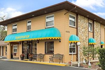 佛羅里達基西米 OYO 飯店 Knights Inn Kissimmee