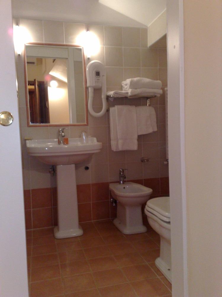로칸다 일 갈로(Locanda Il Gallo) Hotel Image 12 - Bathroom