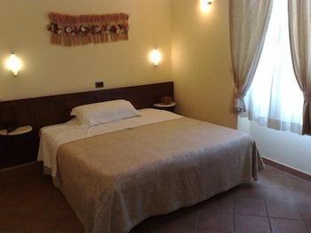 로칸다 일 갈로(Locanda Il Gallo) Hotel Image 3 - Guestroom