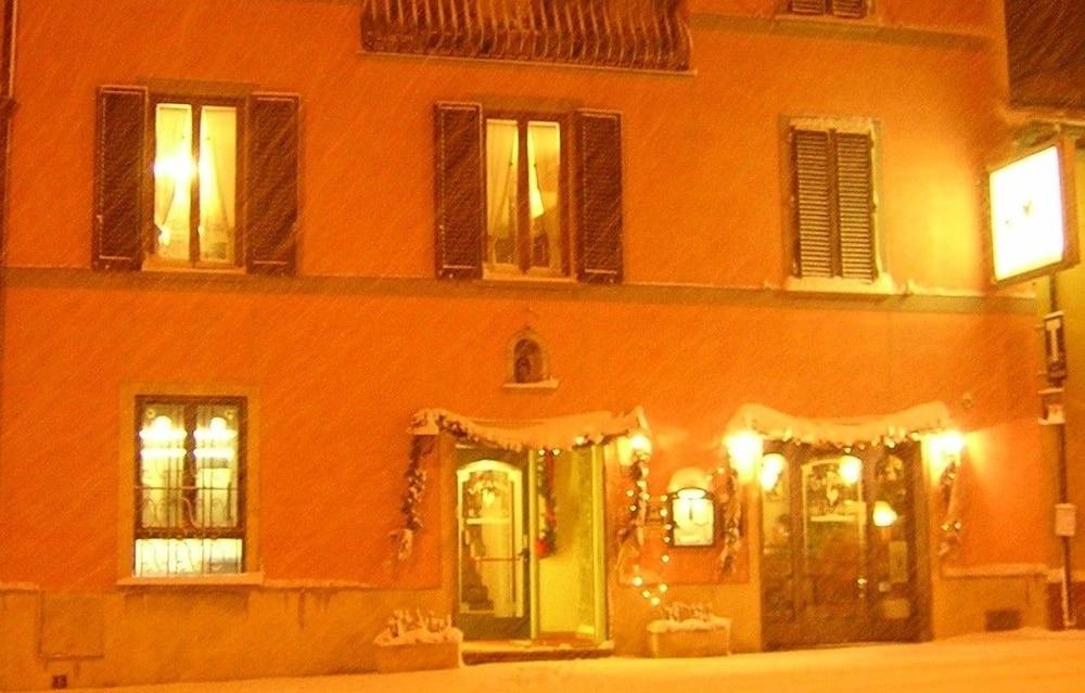 로칸다 일 갈로(Locanda Il Gallo) Hotel Image 9 - Hotel Front