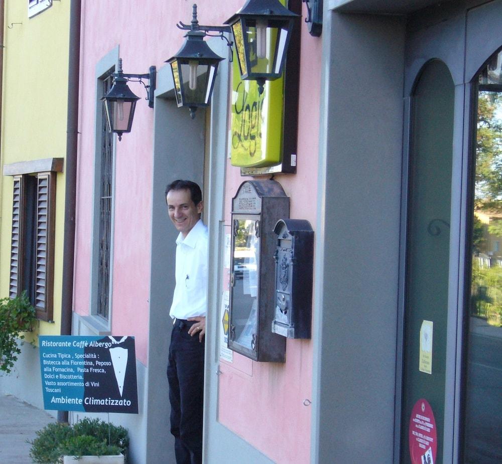 로칸다 일 갈로(Locanda Il Gallo) Hotel Image 11 - Hotel Entrance
