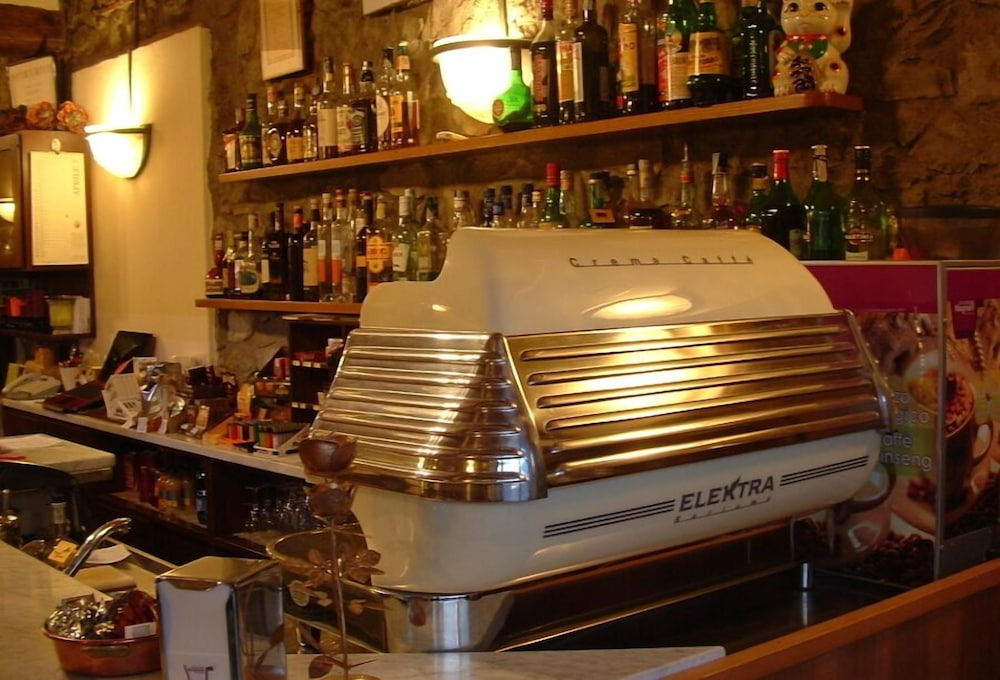 로칸다 일 갈로(Locanda Il Gallo) Hotel Image 8 - Hotel Bar