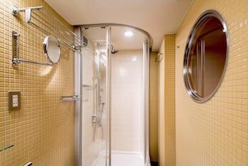 THE B TOKYO AKASAKA Bathroom Shower