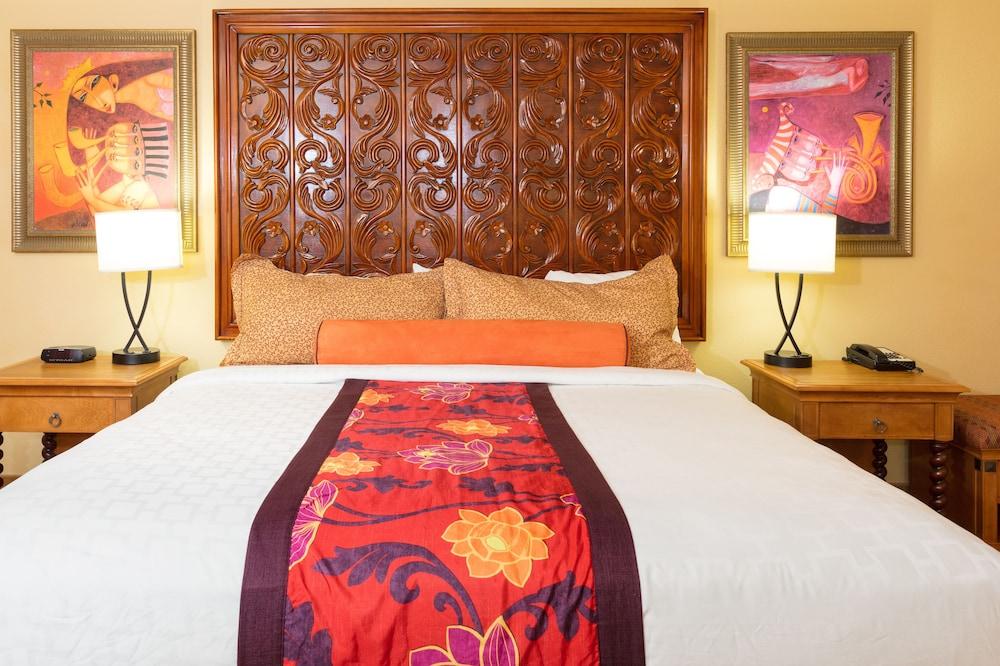https://i.travelapi.com/hotels/2000000/1190000/1189600/1189517/0b1ecccb_z.jpg