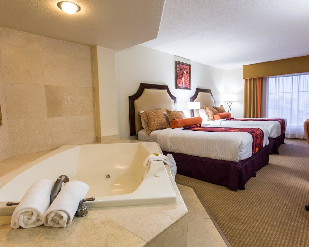 https://i.travelapi.com/hotels/2000000/1190000/1189600/1189517/2542322c_z.jpg