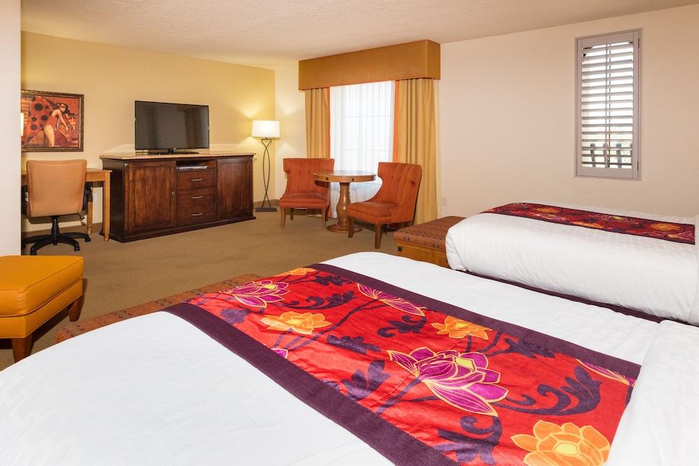 https://i.travelapi.com/hotels/2000000/1190000/1189600/1189517/61024028_z.jpg