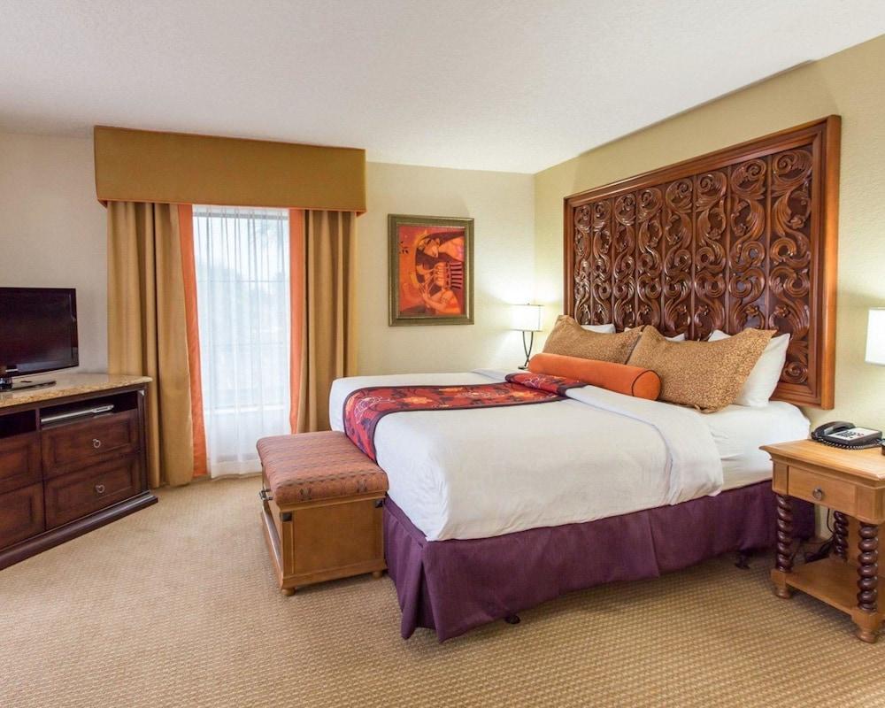 https://i.travelapi.com/hotels/2000000/1190000/1189600/1189517/c4a108b8_z.jpg