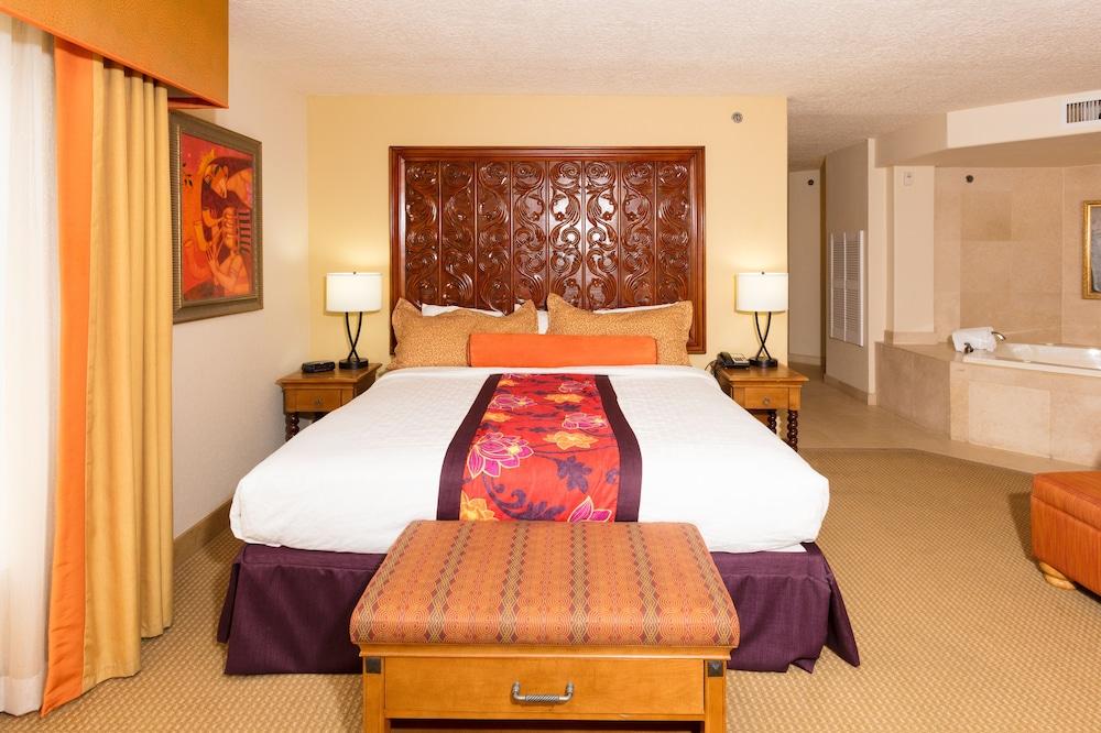https://i.travelapi.com/hotels/2000000/1190000/1189600/1189517/fe29c457_z.jpg