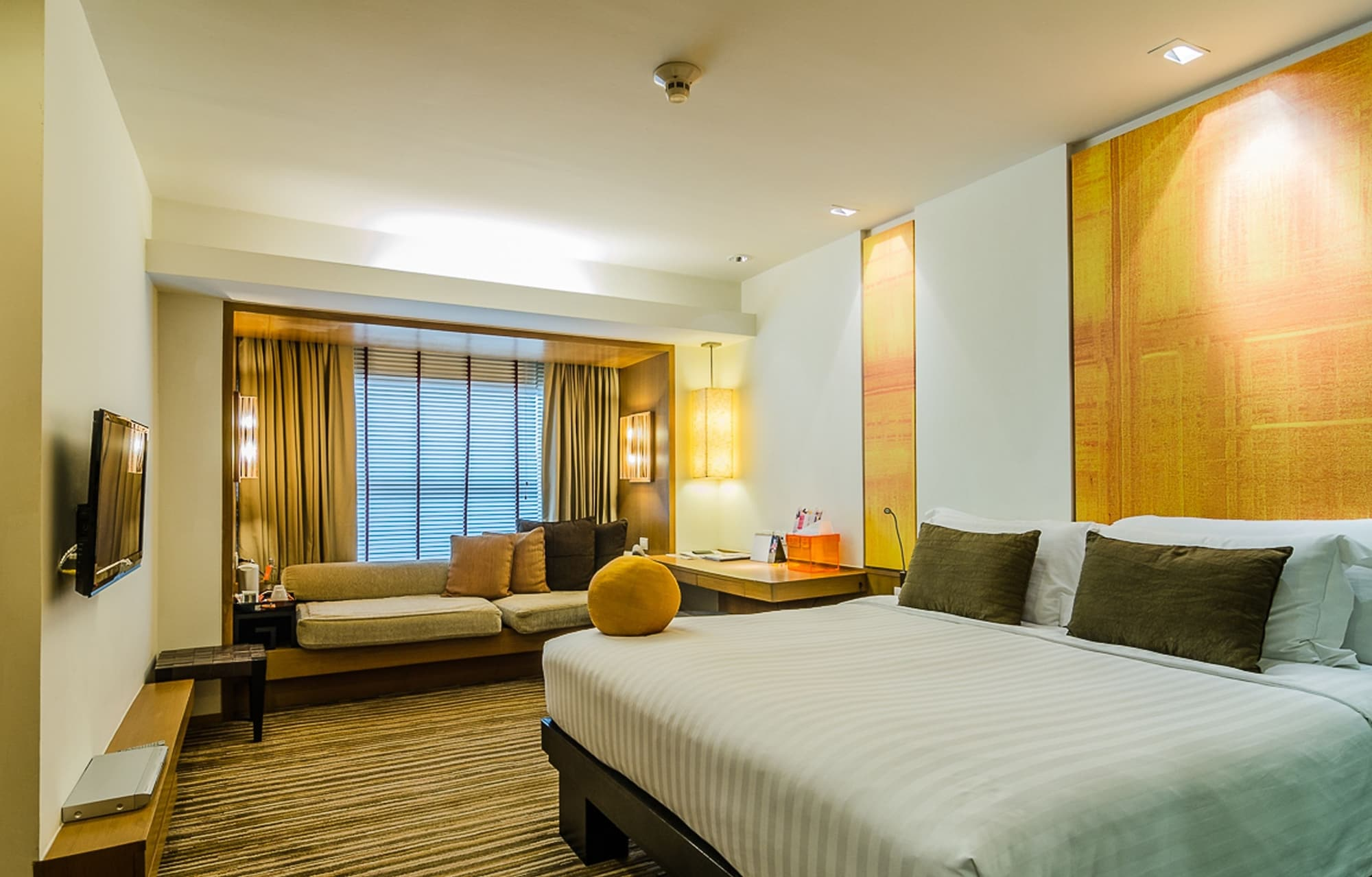 Deluxe Room, 1 King Bed (Club)