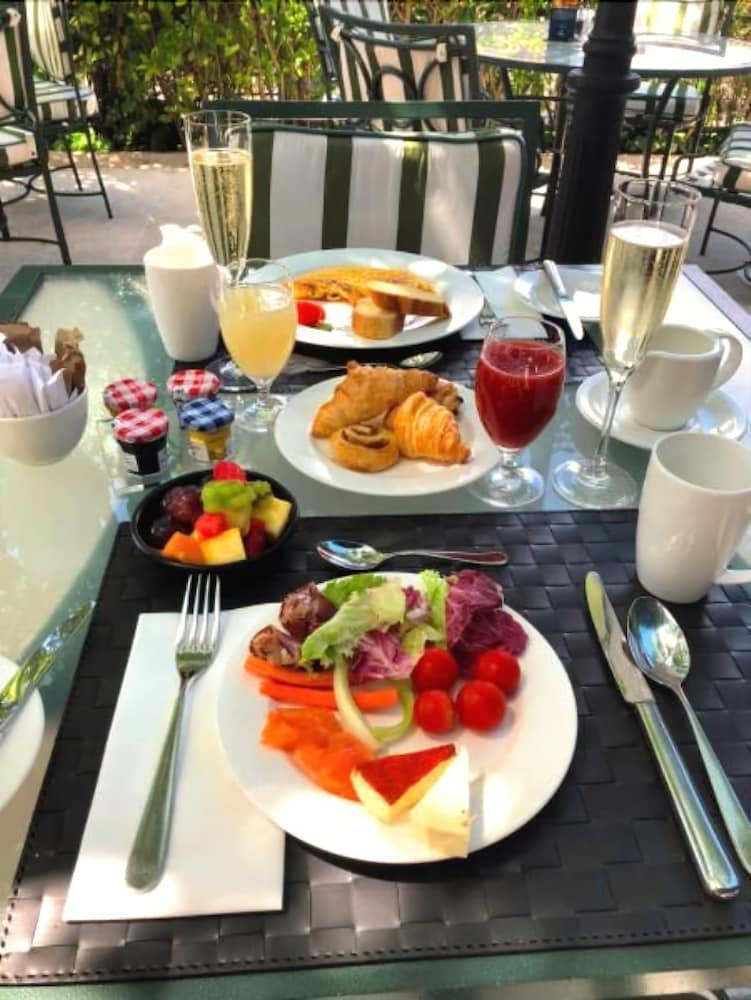 호텔이미지_아침 식사