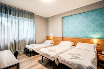 Shared Dormitory, Women only (3 People)