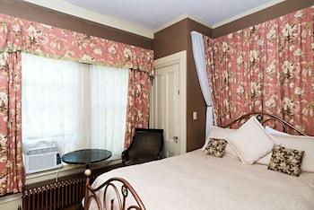 Room (The Henrietta, 2nd floor)