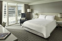 Deluxe Bayview Balcony Room, 1 King Bed