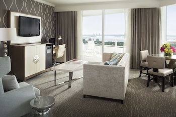 Tresor Bayview One Bedroom Suite