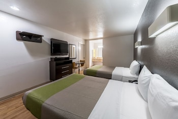 Deluxe Suite, 2 Double Beds, Non Smoking, Kitchenette