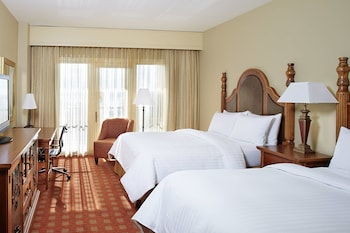 Oda, 2 Büyük (queen) Boy Yatak, Balkon, Havuz Manzaralı