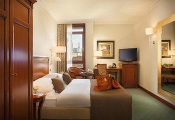 Deluxe Room, 1 King Bed (Quiet Location)