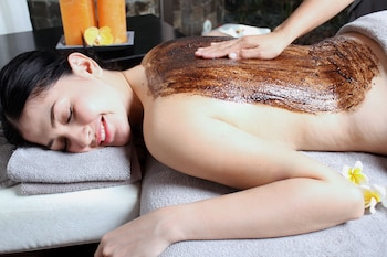 Movenpick Hotel Cebu Spa Treatment