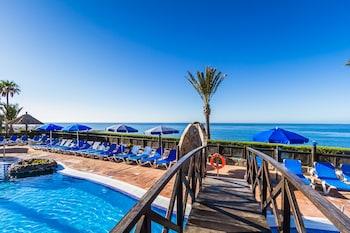 Apartamentos Bluebay Beach Club