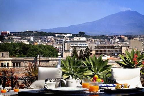 __{offers.Best_flights}__ Palace Catania | UNA Esperienze