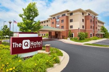 Hotel - The Q Hotel & Suites