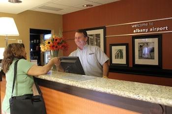 Hotel - Hampton Inn & Suites Albany Airport
