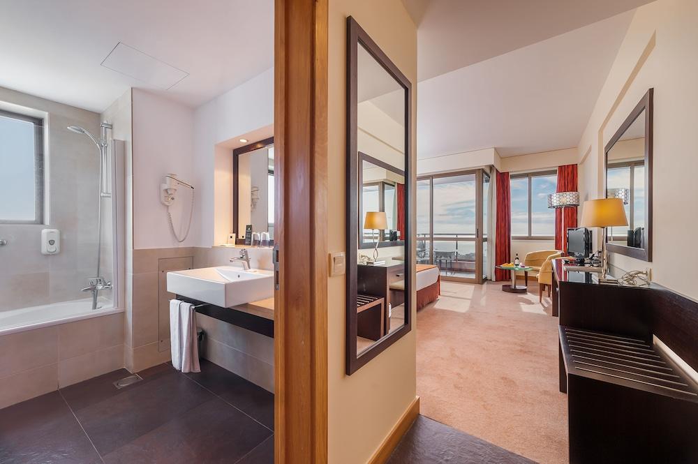 센시마르 사보이 가든스(Sensimar Savoy Gardens) Hotel Image 18 - Bathroom