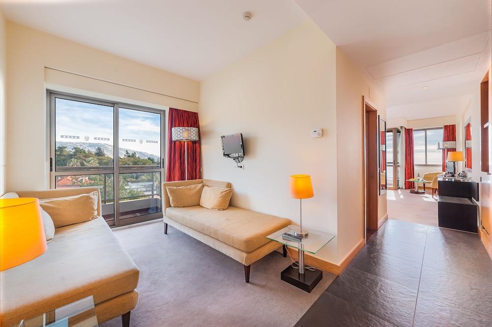센시마르 사보이 가든스(Sensimar Savoy Gardens) Hotel Image 15 - Living Area