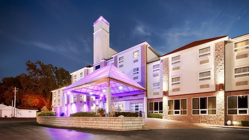 . Best Western Plus Sandusky Hotel & Suites