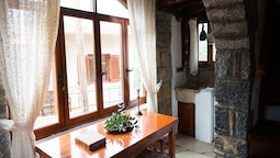 Traditional House, 1 Bedroom