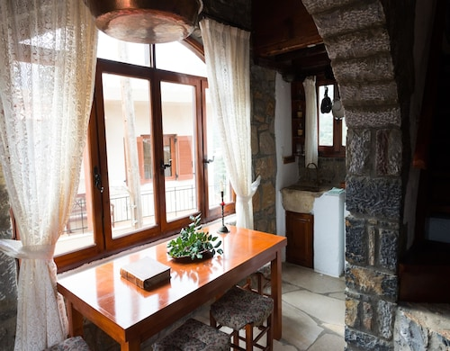 . The Traditional Homes of Crete