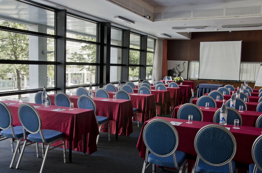 VIP 이그제큐티브 아츠(VIP Executive Art's) Hotel Image 27 - Meeting Facility