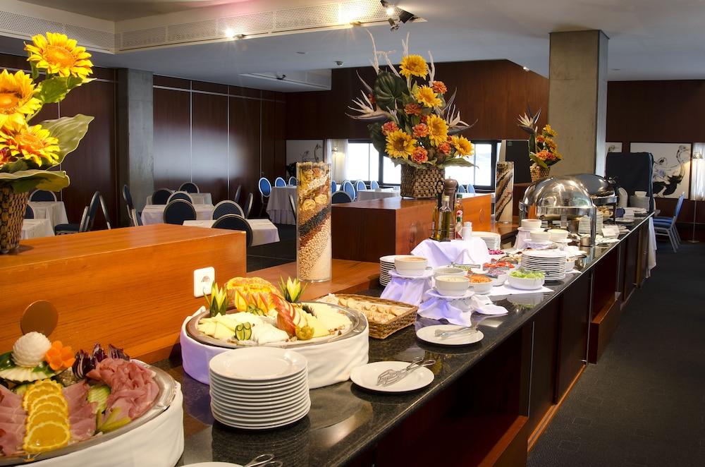 VIP 이그제큐티브 아츠(VIP Executive Art's) Hotel Image 10 - Restaurant