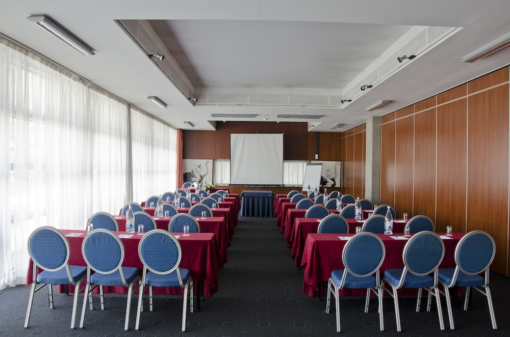 VIP 이그제큐티브 아츠(VIP Executive Art's) Hotel Image 30 - Meeting Facility