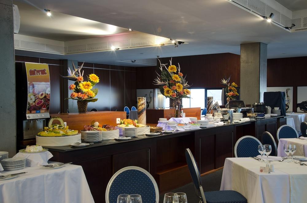 VIP 이그제큐티브 아츠(VIP Executive Art's) Hotel Image 13 - Restaurant