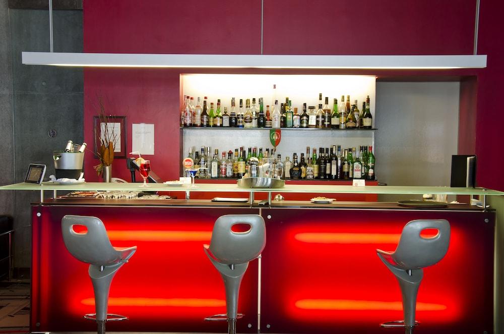 VIP 이그제큐티브 아츠(VIP Executive Art's) Hotel Image 18 - Hotel Bar