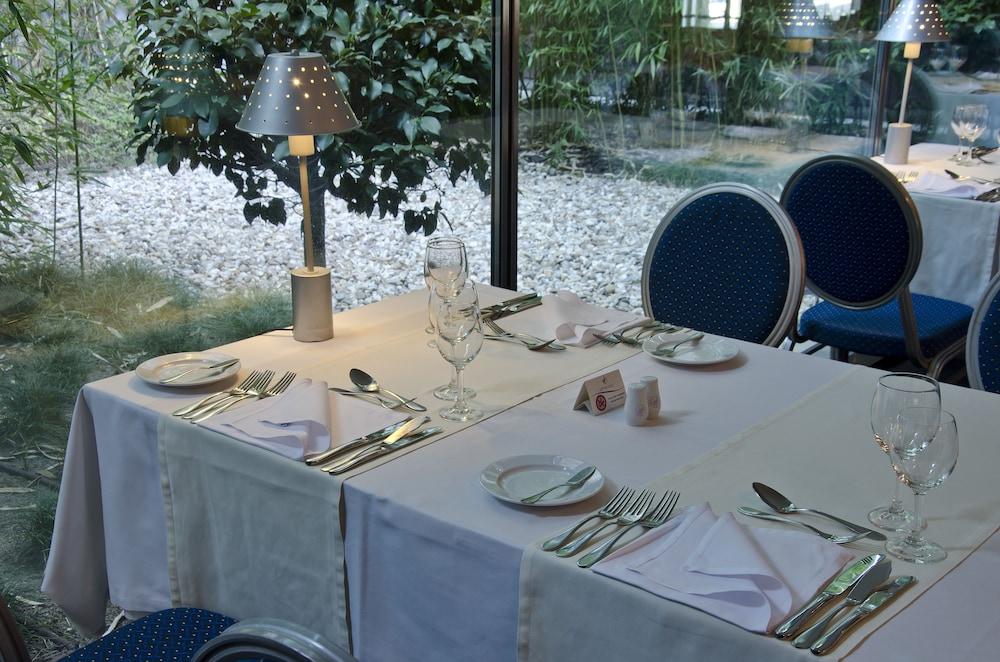 VIP 이그제큐티브 아츠(VIP Executive Art's) Hotel Image 14 - Restaurant